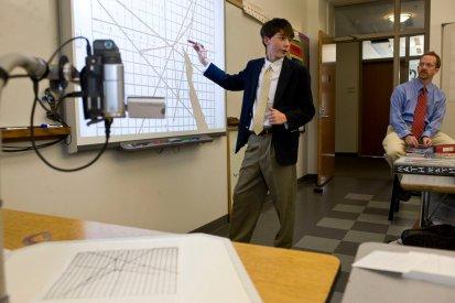 写真:物理の授業風景